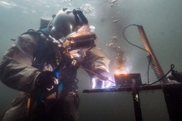 How Much Do Underwater Welders Make?
